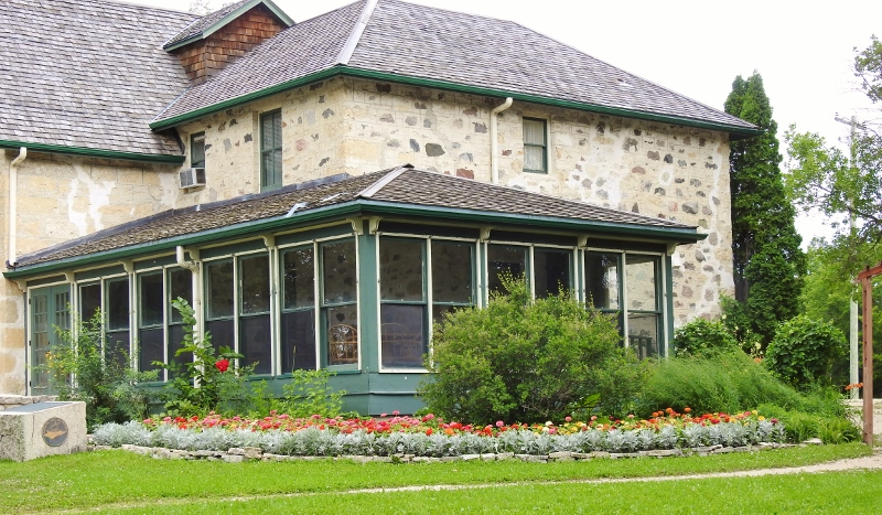An Unplanned Stop at Captain Kennedy's House and Gardens on RiverRoad