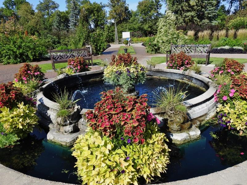 Assiniboine Park – English Gardens & DuckPond